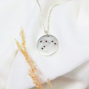 Médaille constellation Bélier Argent & Grenats